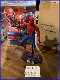 Hot Toys MMS535 1/6 Spider-Man Figure Far From Home Movie Promo Edition